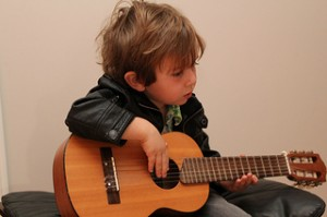 Free Kids Guitar Lessons