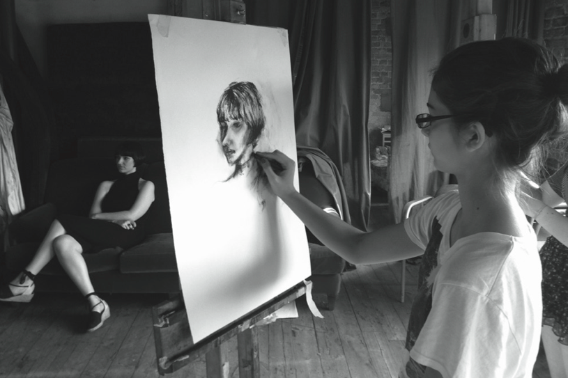 Learn how to draw at a free life drawing class