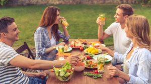 5 Easy Ways to Score Free Food & Drink